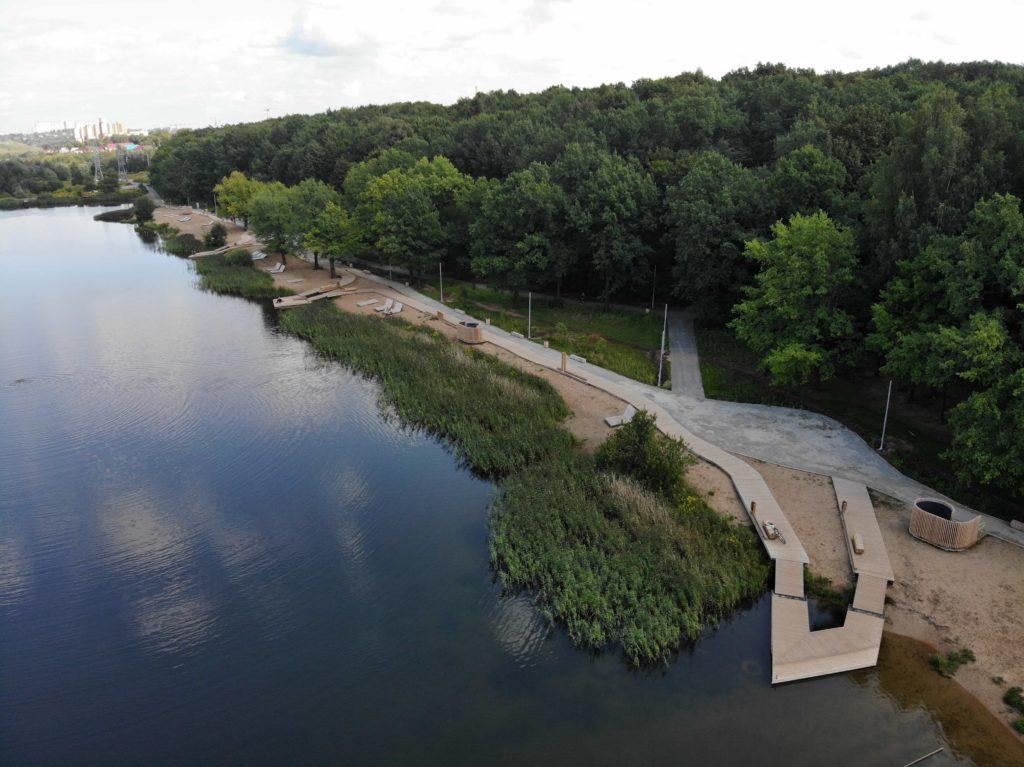 инфраструктура берега щелковского озера